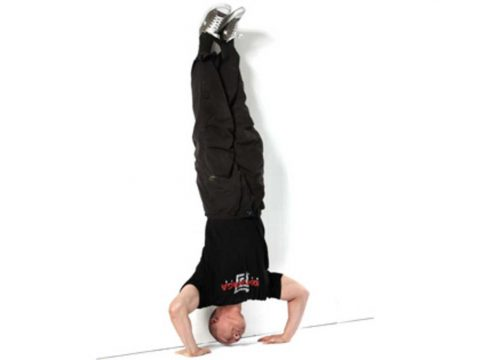حرکت شنا بر روی سر شانه یا Handstand Push-Up - روش های تمرین کراسفیت