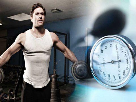 تمرینات مقاومتی - آیا کار با وزنه برای فشار خون مضر است؟ - ورزش درمانی