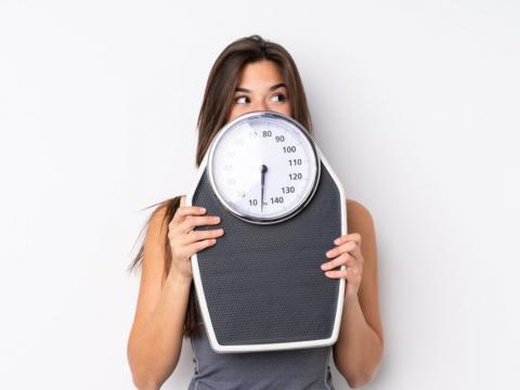 آیا نوسان وزن طبیعی است ؟ - تغذیه ورزشی -ورزش درمانی